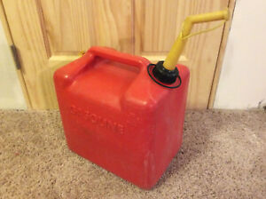 Vintage Chilton Made In The U s a 5 Gallon Red Plastic Vented Gas Can Gott P 500