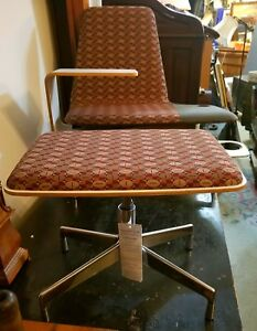 Haworth Nos Lounge Chair With Matching Ottoman