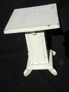 Vintage Arts Crafts Mission Shabby Chic White Painted Wood Plant Stand Table
