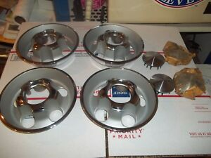 Nos Mopar 68 69 70 71 72 Challenger Cuda Duster Rally Wheel Center Caps 3699312