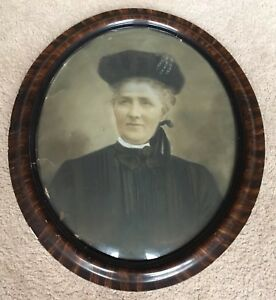 Antique Tiger Wood Gesso Oval Picture Frame W Convex Glass Lady Portrait 23x19