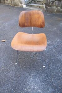 Vintage 1950s Herman Miller Eames Mid Century Modern Molded Plywood Chair