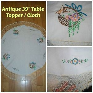 Antique 39 Round Linen Floral Baskets Embroidering W Crochet Lace Table Cloth