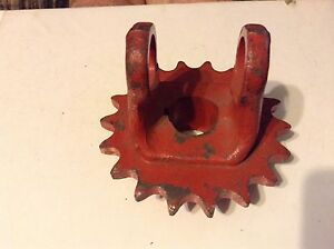 302777 A New Sprocket And Pto Yoke For A New Idea 313 Husking Unit