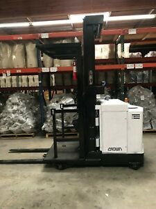 Crown Order Picker Forklift 3000lbs Free Charger Included