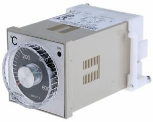 Omron E5c2 On off Temperature Controller 48 X 48mm K Type Thermocouple Input