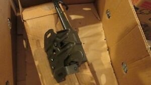 Nos 1970 Ford Galaxie Xl Ltd Country Squire Hood Latch Assembly D0az 16700 c Nos