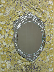 Elegant Venetian Style Etched Glass Wall Mirror 30 X 20