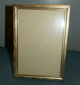 Lovely Vintage Detailed Design Brass Metal 5 X 7 Picture Photo Frame