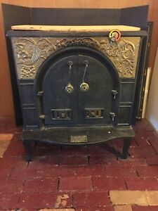 Vintage Antique Cast Iron Dutchwest Fa318 Federal Airtight Wood Burning Stove