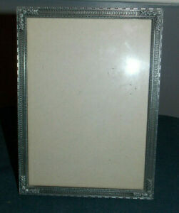 Nice Vintage Detailed Floral Pewter Metal 5 X 7 Picture Photo Frame Tawain