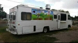 Used Large Loaded Mobile Kitchen Food Truck With Commercial Equipment For Sale I