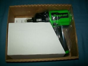 New Snap on 1 2 Drive Super Duty Air Impact Wrench Pt850g Green Open Box