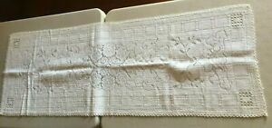 Antique Vintage Floral Damask White Linen Table Runner W Crochet Lace Edge