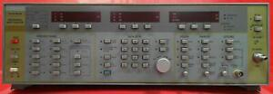 Wiltron 6660b 722002 12 4 To 40 Ghz Signal Generator