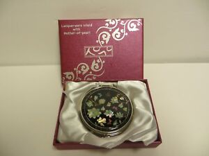 Lacquerware Inlaid With Mother Of Pearl Made In Korea Compact Mirror