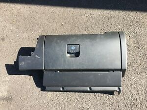 1998 2010 Volkswagen Beetle Glove Box Assembly With Aux Port Black