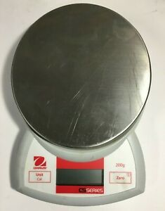 Ohaus Cs200 Digital Compact Bench Scale 200g X 0 1g Capacity