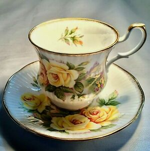 Vintage Rosina Queen Fine Bone China Yellow Roses Cottage Gold Trimmed Tea Cup