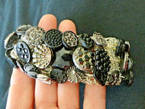 Antique Victorian Buttons Most Metal Shanks Picture Cut Beautiful Designs 57