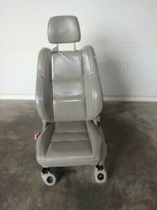 11 18 Dodge Durango Front Seat Driver Grey Leather Power Oem