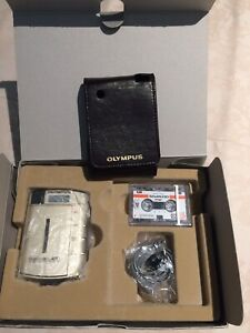 Olympus Pearlcorder L400 Microcassette Recorder player Voice activated With Case