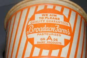 VTG Broadacre Farms/Dairy Cottage Cheese/Milk Container Knoxville TN Advertising