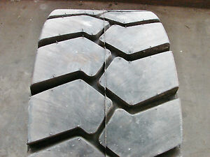 32 12 15 Tire Mining 20ply blemished 321215