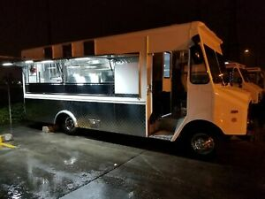 Loaded Turnkey Chevrolet P30 Food Truck Mobile Kitchen For Sale In California