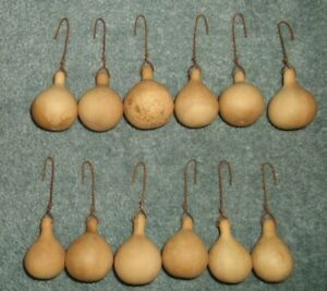 Lot 12 Primitive Farmhouse Country Christmas Charlie Brown Spinner Gourd Ornies