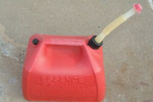 5 Gallon Rubbermaid Vented Gas Fuel Can Spout Made In Usa