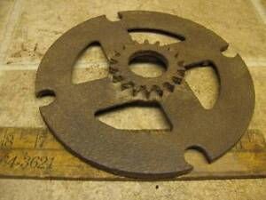 Rare Unusual International Corn Pea Planter Seed Plate 1155a Farmall Ih Ihc