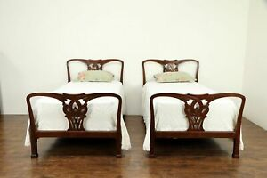 Pair Of Traditional Carved Mahogany Vintage Twin Or Single Beds 30809