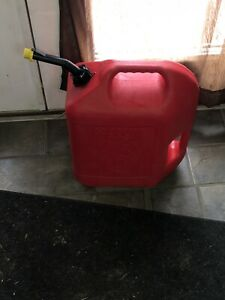 Vintage Blitz 6 Gallon 16 Oz Gas Can W Self Venting Spout 2 Handles