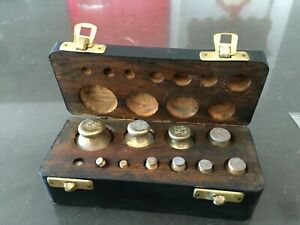 Set Of Antique Avoir Dupois Weights For Use In Laboratory Or Trade