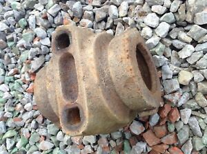 504110 A Used Bearing Cap For A King Kutter 4 1 2 5 1 2 6 1 2 Disc Harrows