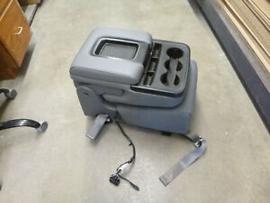 2014 2018 Chevy Gm Silverado Sierra Grey Cloth Jump Seat Console Oem