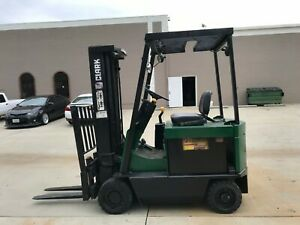 2004 Cat Forklift 4000lbs Side Shift 3 Stage Mast Pneumatic Traction Tires