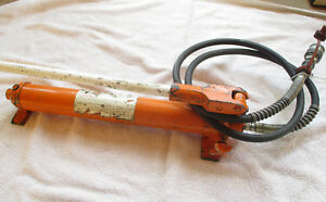 Central Hydraulics 10 Ton Portable Puller Hand Pump 44900