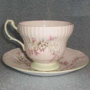 Vintage Footed Queen S Rosina Fine Bone England Green Floral Tea Cup