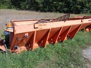 Warren Salt Sand Spreader 8 7 Yard Warren Ac2420a 1 Snow Ice Control Spreader