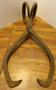 Antique Cast Iron Ice Tongs Primitives Tool 1 Very Good Condition
