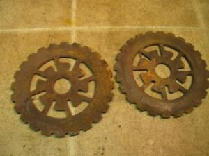 2 International 480191r1 Popcorn Corn Planter Plates Cast Iron