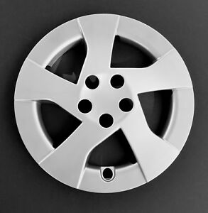 One New Replacement Fits 2010 2014 Toyota Prius 15 Silver Wheel Cover Hubcap