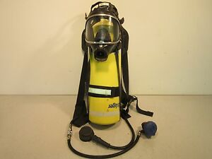 Drager Breathing Apparatus Includes Tank Face Mask Regulator And Tank Holder