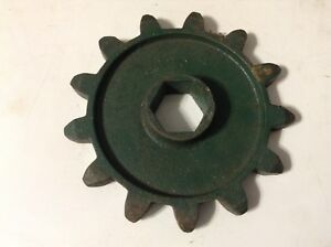 525 A New 13 Tooth Sprocket For A Cole 1800 series 100 200 300 Planters