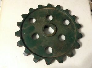 524 A New 18 Tooth Sprocket For A Cole 1800 series 100 200 300 Planters