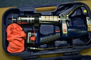 Lincoln 1400 Power Luber Grease Gun 14 4 Volts With 1 Battery Case Book C1