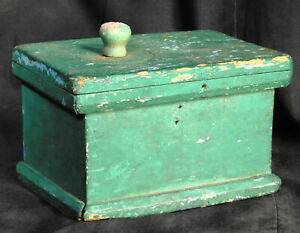 Early Country Green Tiny Primitive Box Old Paint Off Center Top Knob As Is Treen