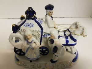 Vintage Porcelain Figurine Horse Carriage Victorian Couple Cobalt Blue White 1a